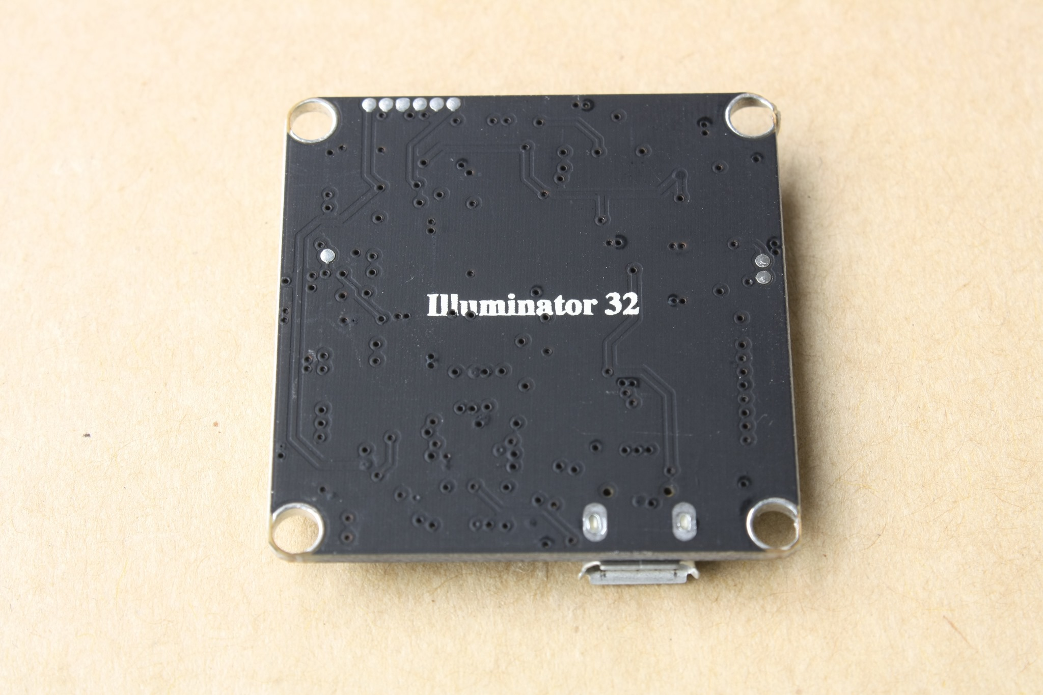 DroneHiTech com – Review: Illuminati 32 flight controller